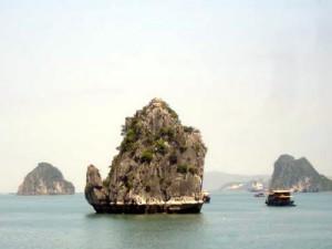 Am Islet Halong Bay